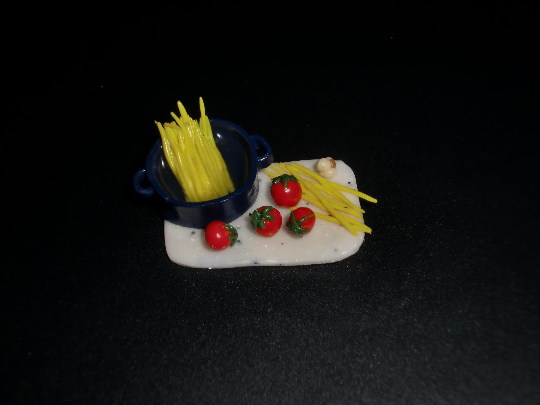 FIMO Spaghetti: Polymer Minifood - Tutorial [HD.deutsch] (EN-Sub)
