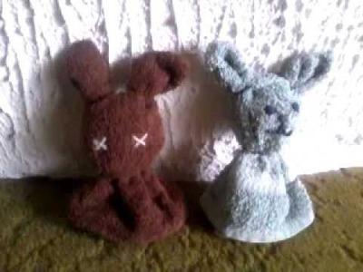 Deko für Ostern : Hase aus Waschlappen  :-)
