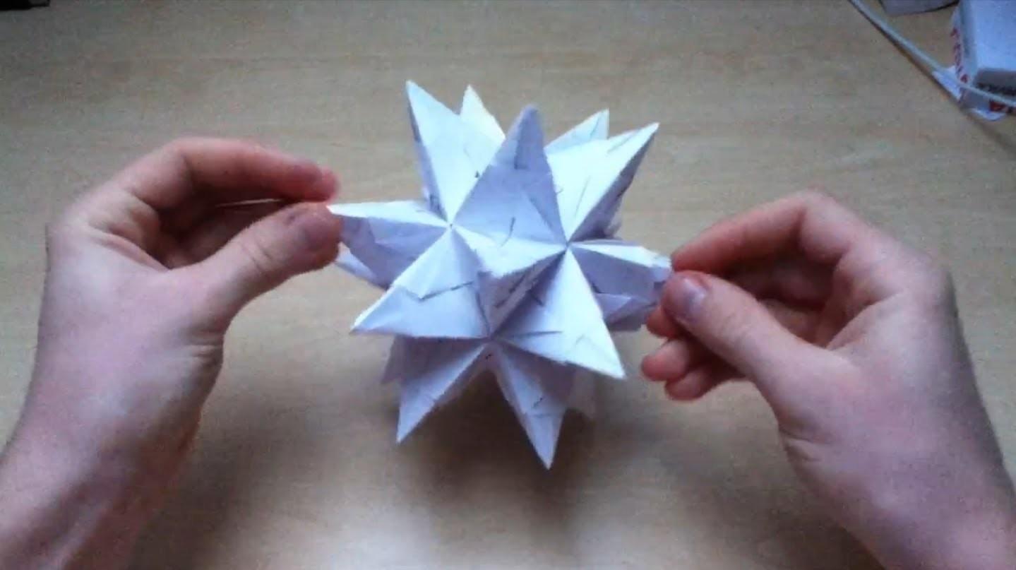 Weihnachtsstern aus Papier basteln - Anleitung