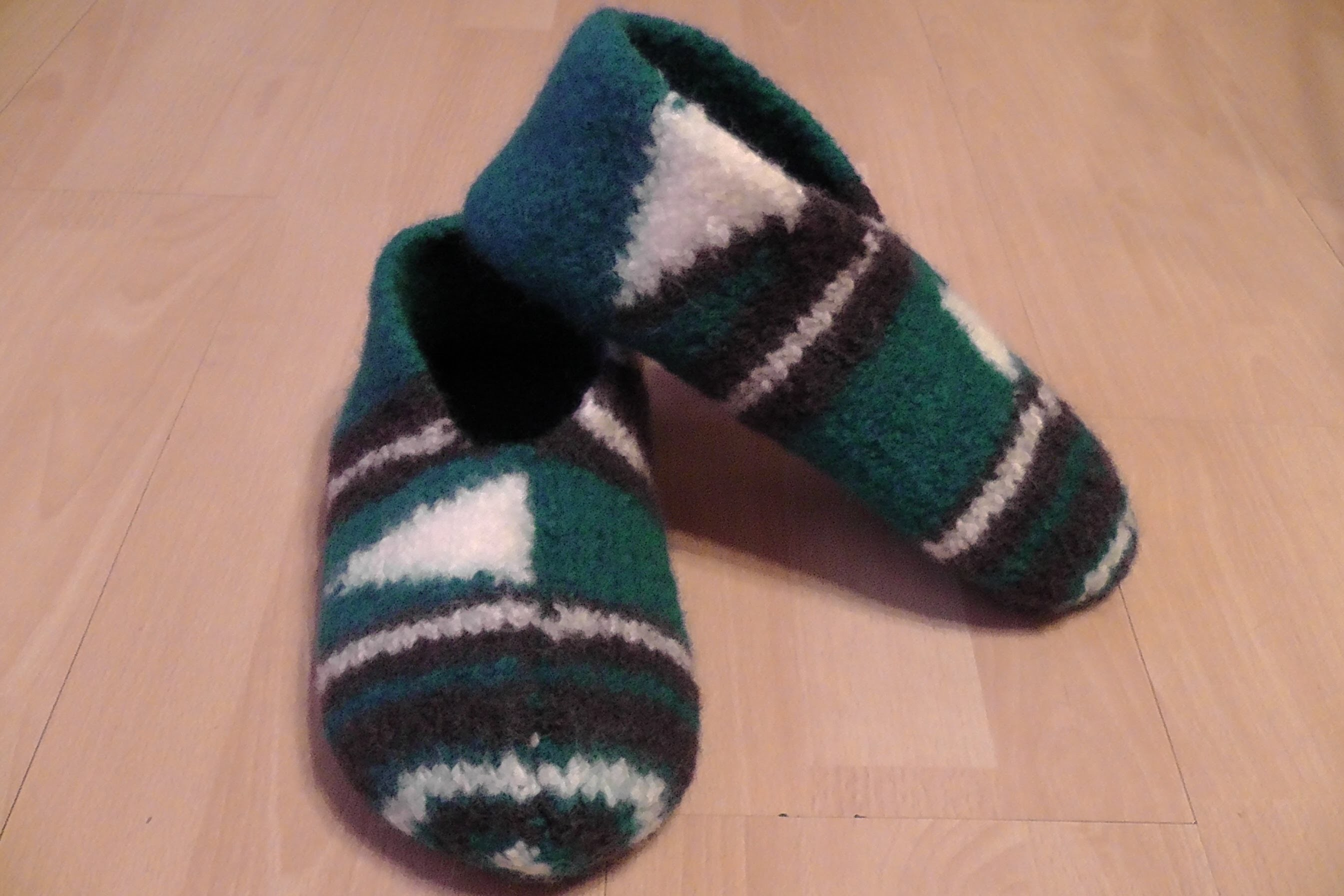 Pantoffeln, Hausschuhe für Männer stricken und filzen - Gr. 42. 43