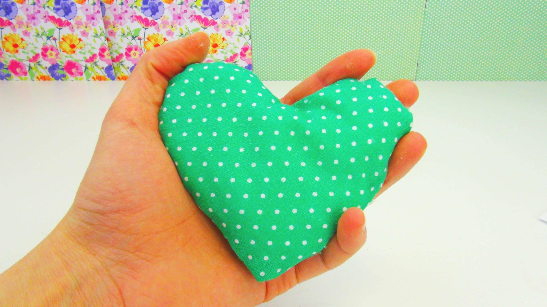 Herz aus Stoff DIY | Valentinstagsgeschenk ganz einfach selber machen | Heart Pillow DIY Anleitung