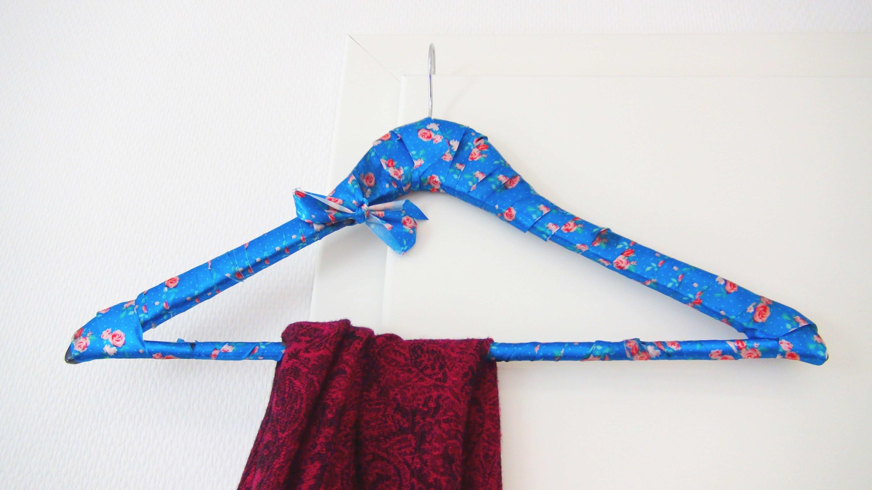 Kleiderbügel DIY | Kleiderbügel ganz einfach verschönern | Upcycling Clothes Hanger Tutorial
