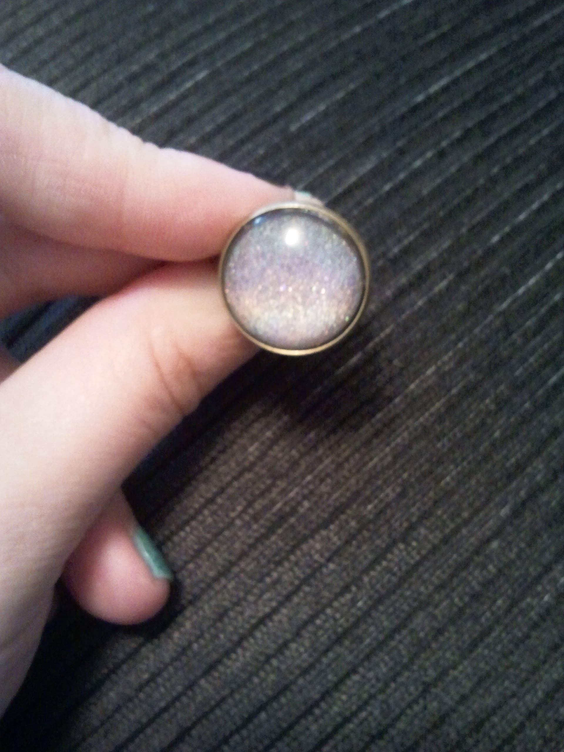 [DIY] Nagellack Cabochon Ring  HOLOGRAPHIC Style  :0)