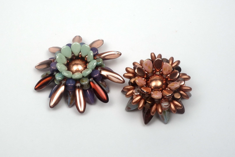 Schmuck selber machen: Blume aus böhmischen Glasperlen, als Ring, Brosche oder Anhänger. Tutorial.