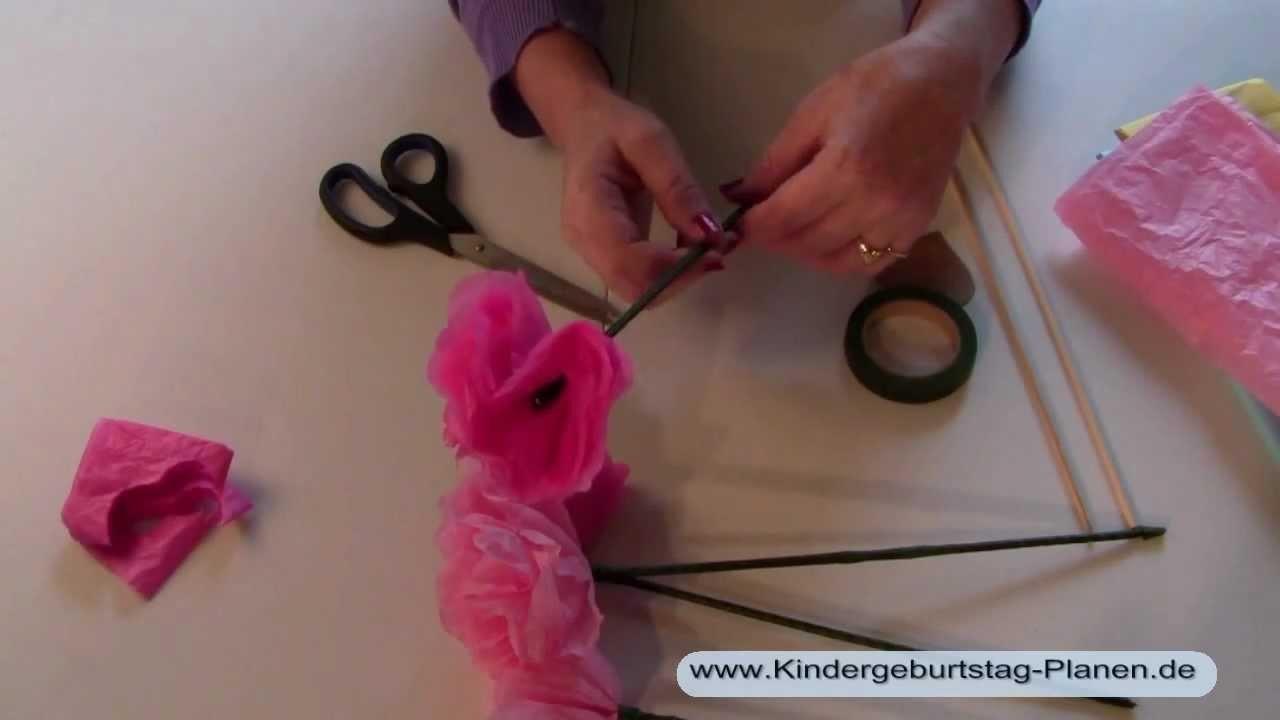 Seidenpapier-Blumen basteln mit Kindern
