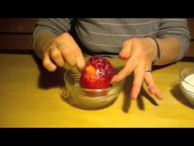 Tegut.  Dekotipp zu Weihnachten: Frost-Apfel basteln