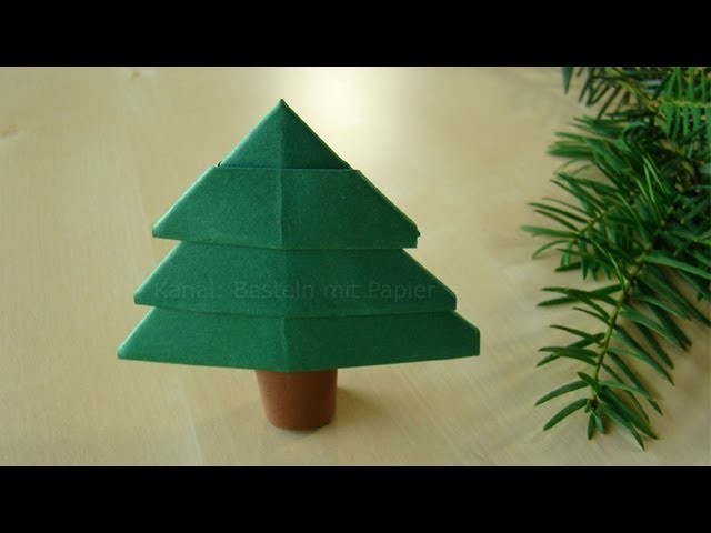 Tannenbaum falten - Weihnachtsbasteln mit Kindern