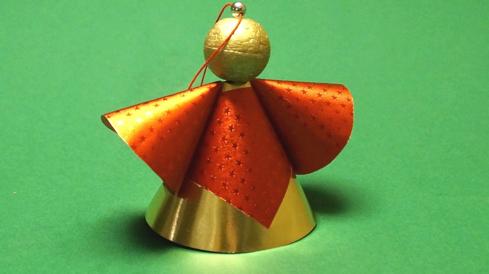 Basteln für Weihnachten: Engel aus Papier basteln