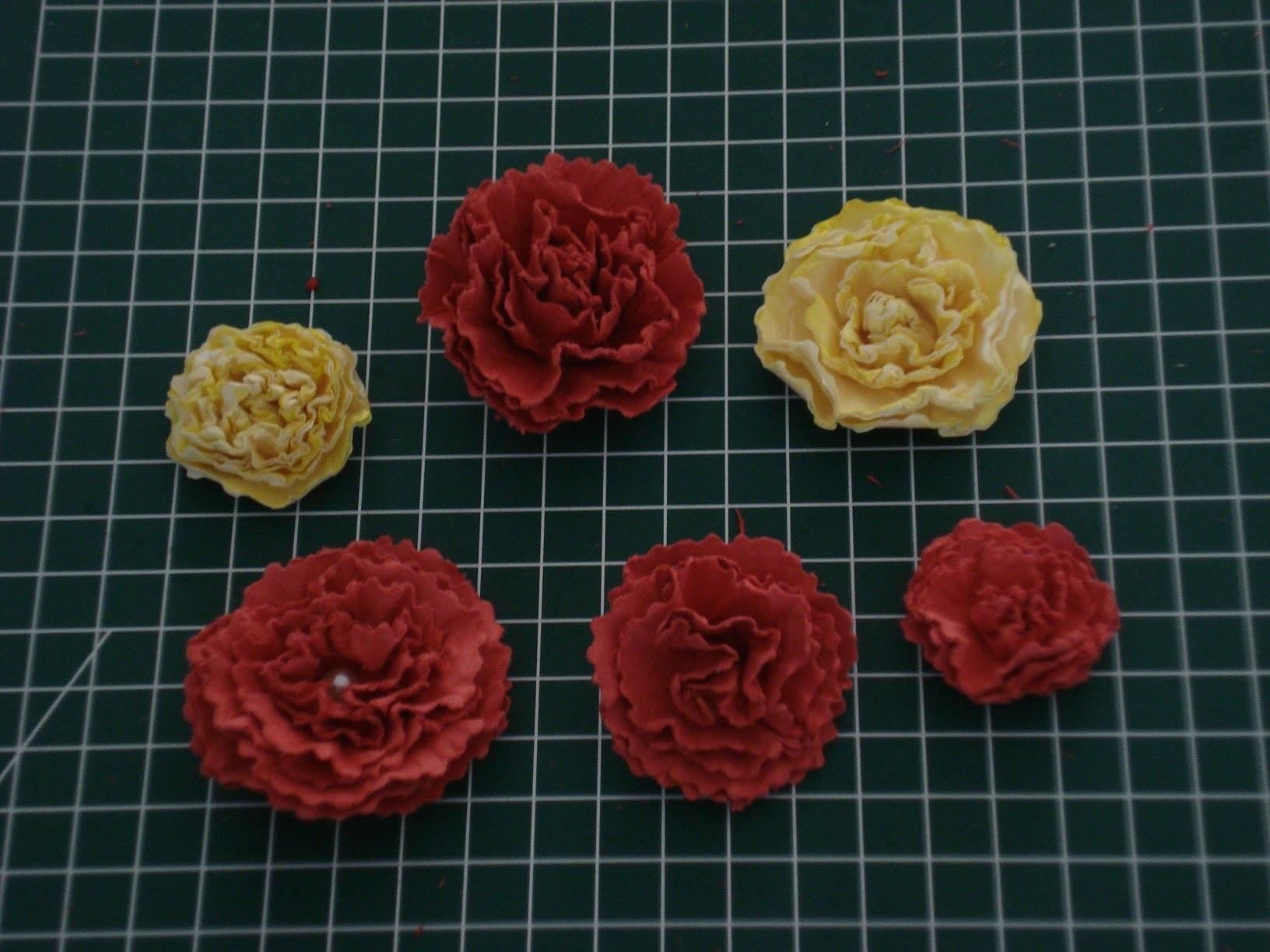 Blumen basteln aus Papier kürze Anleitung