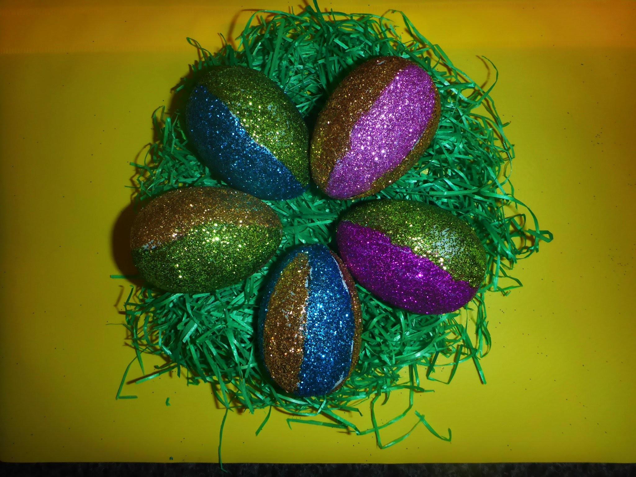 Osterei mit Glitzer, einfach und schnell, Geschenk zu Ostern, Osterschmuck, DIY,