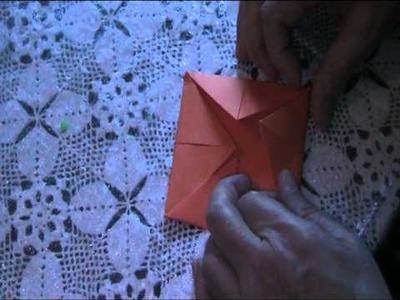 Origami Anleitung - Pacman Paku Paku aus Papier falten