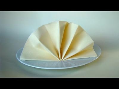 Servietten falten: Fächer als Tischdeko - Tisch dekorieren