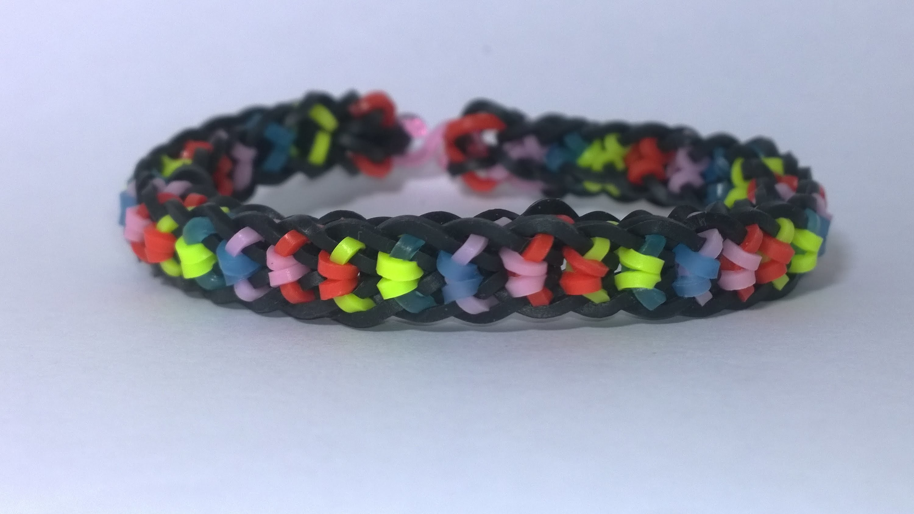 How to make Rainbow Loom Boxed Bow Bracelet two pegs on loom DIY