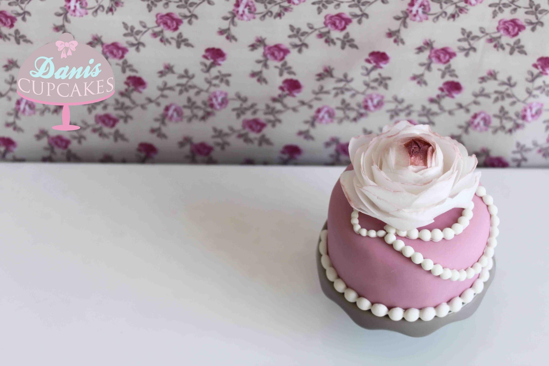 Wafer Paper Flower Blume aus Esspapier | Danis Cupcakes