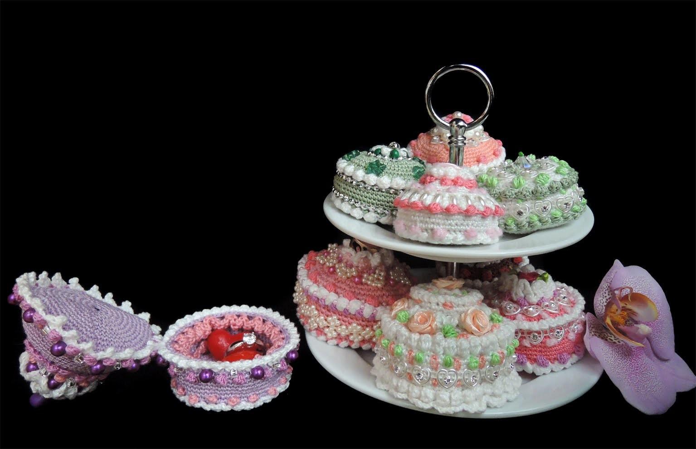 Schmuckkästchen, Törtchen, Cupcakes - alles gehäkelt. HÄKELN