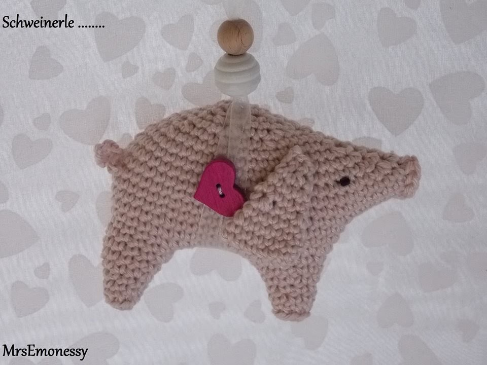 DIY Schwein Glücksbringer Silvester Neujahr Häkeln Dekoration