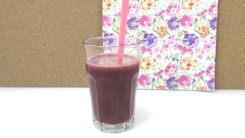 Erfrischungsgetränk selber machen - DIY Sommererfrischung Erdbeer Kirsch Erfrischungsgetränk
