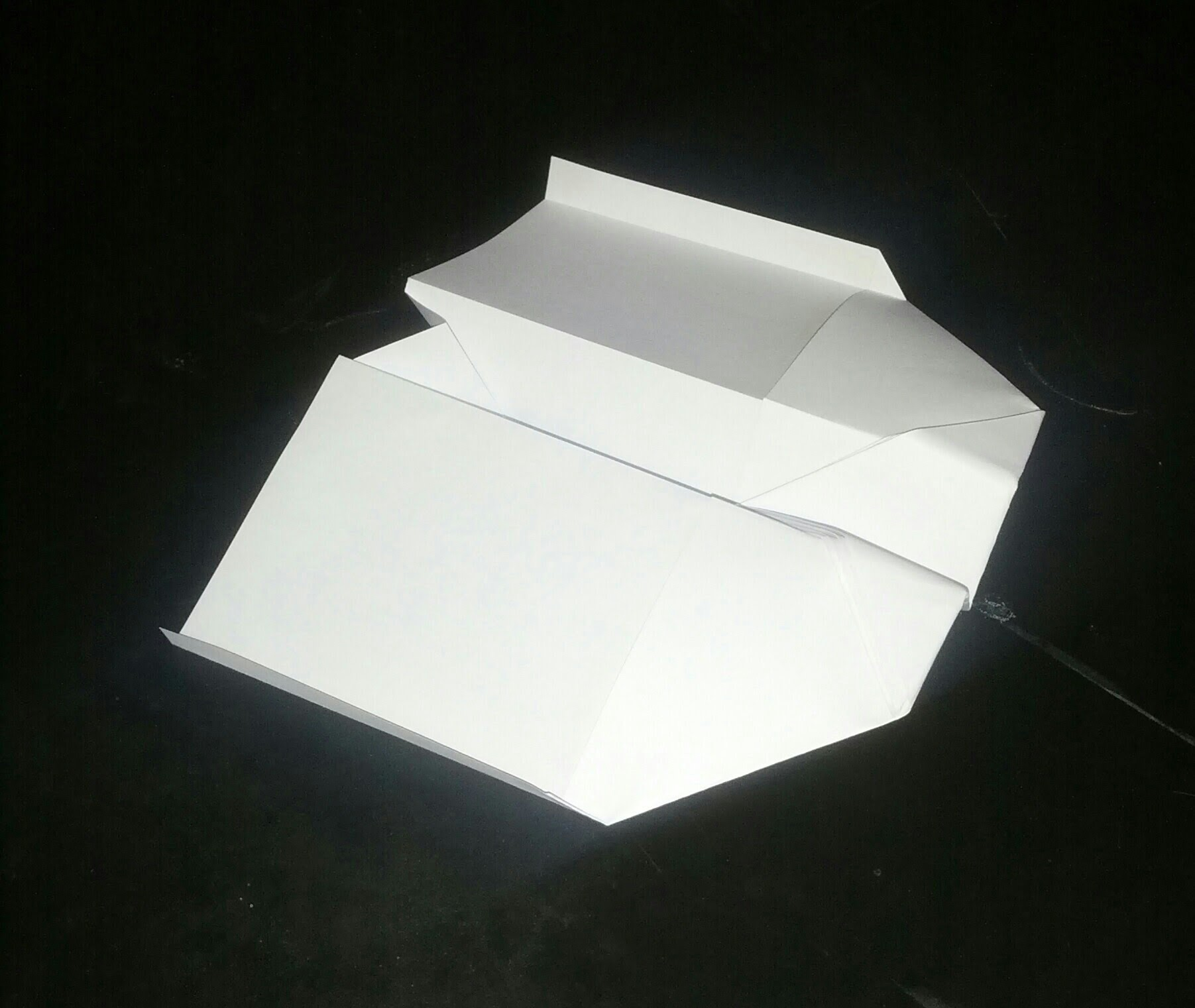 How to make a paperplane Easy