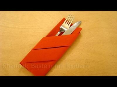 Servietten falten: Bestecktasche falten - Einfache DIY Tischdeko basteln