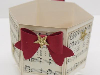 Weihnachtstasse mit dem Falzbrett für Briefumschläge