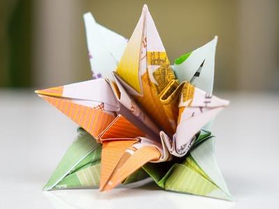 Geldgeschenk Hochzeit: Blumen falten