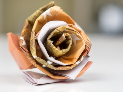 Geldgeschenk Idee Hochzeit - Rose aus Geld basteln