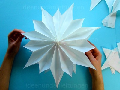 Sterne basteln für Weihnachten mit Butterbrottüten: DIY Butterbrotpapier Weihnachtssterne basteln