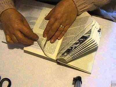 Buch Falten die Zahl 9 Book Folding