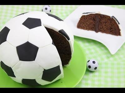 Fußball-WM 2014 Fußball-Kuchen. Fußball-Torte. Soccer Cake. Football Cake (Orangen-Schoko-Kuchen)