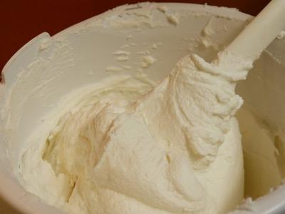 DIY Buttercreme selber machen für ROSEN + DEKORATION Rezept Torten dekorieren verzieren
