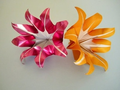 Origami: Blume mit 8 Blütenblätter falten