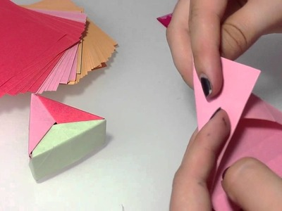 Dreieckige Origami Box selber machen. Papier Box Anleitung
