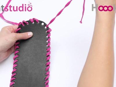 Tasbodem aanhaken. Crochet onto bag base. Taschenboden Hakeln