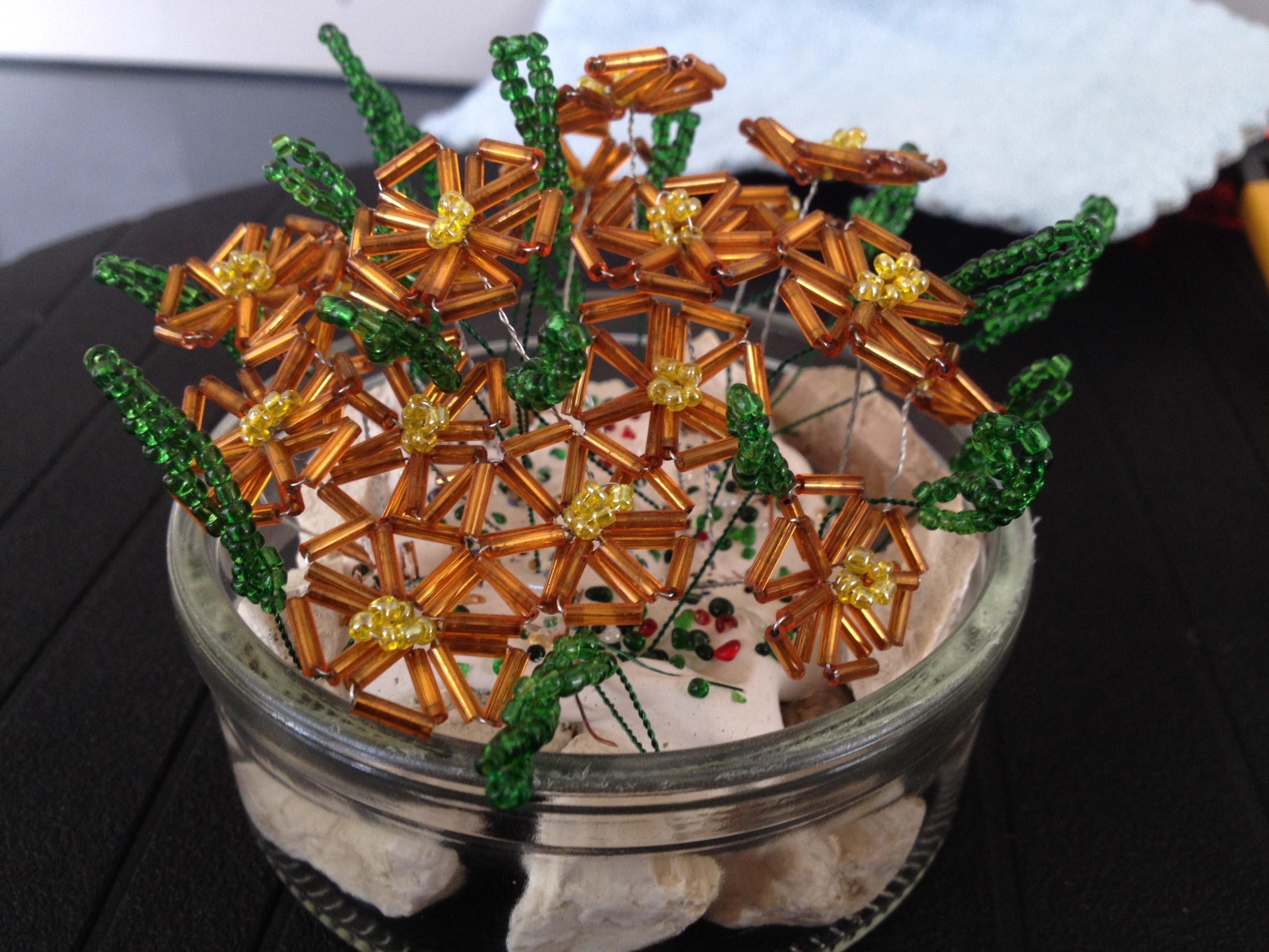 Bergblümchen aus Glasperlen. Beaded flowers. Anna's Perlen.