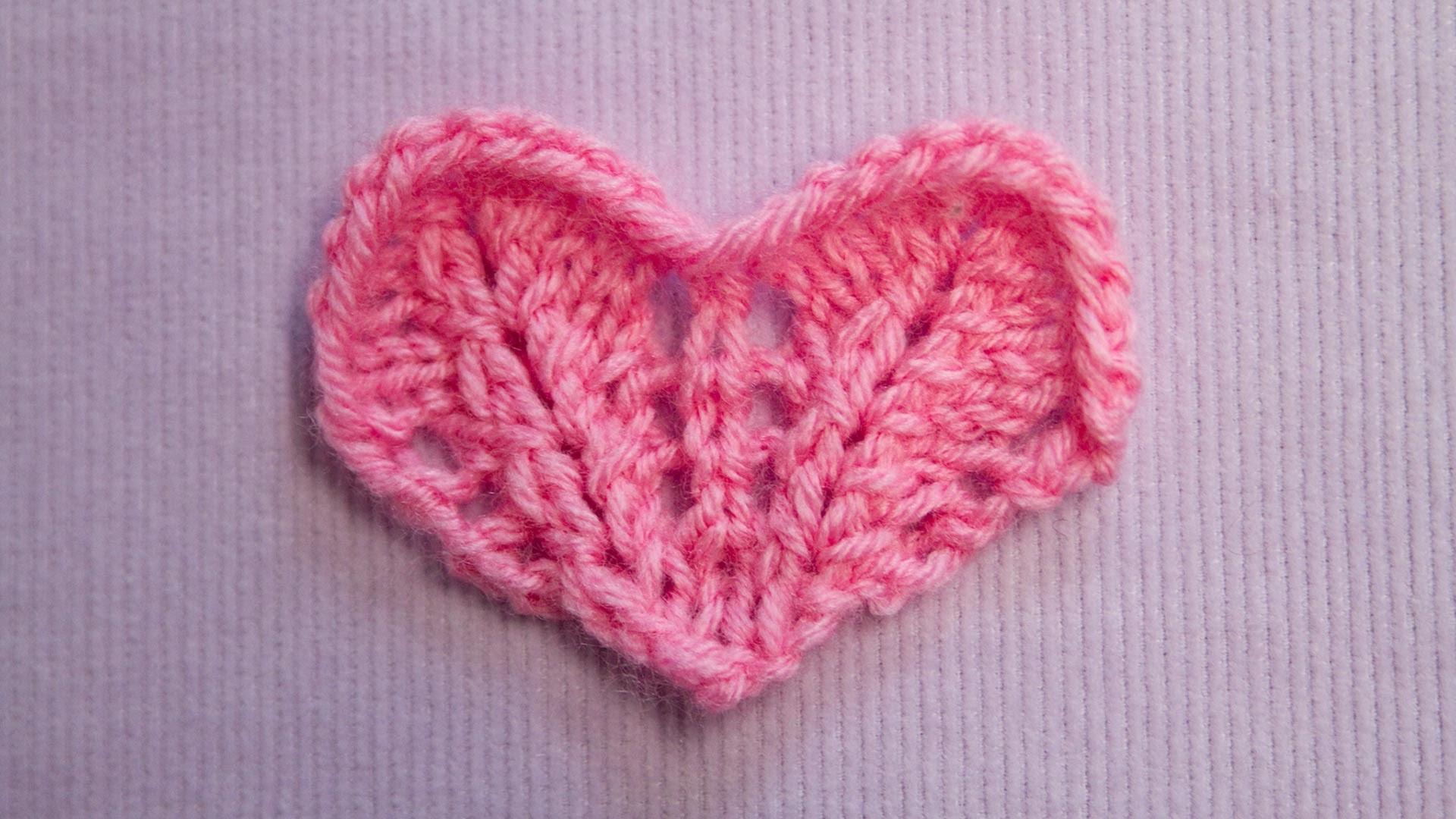 Ein kleines Herz stricken - Knitting a small Heart - Strickmuster Knitting pattern