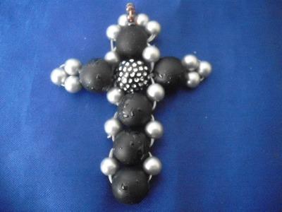 Kreuz aus Perlen Perlenschmuck beading