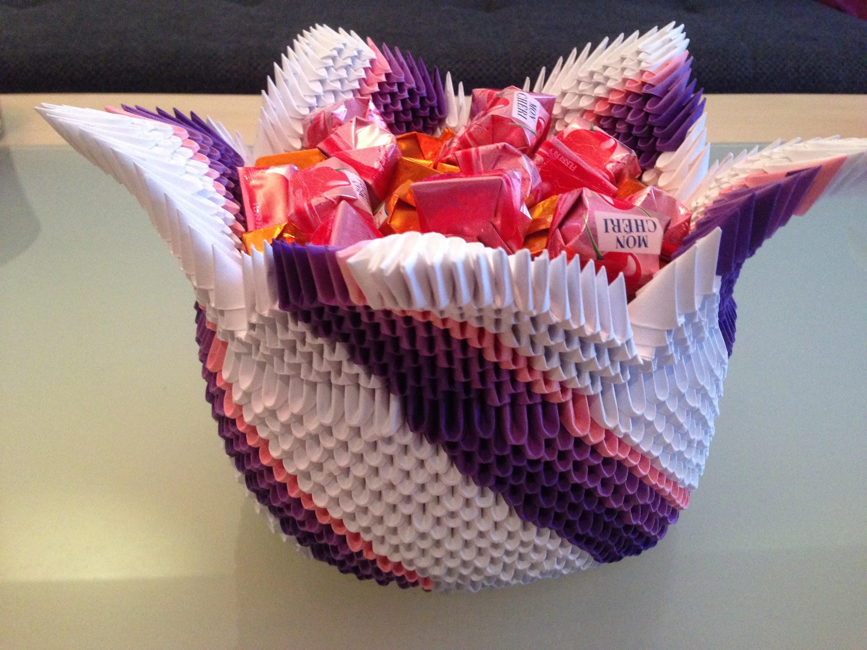 3d origami korb wir basteln aus papier zusammen mit fererro. Black Bedroom Furniture Sets. Home Design Ideas