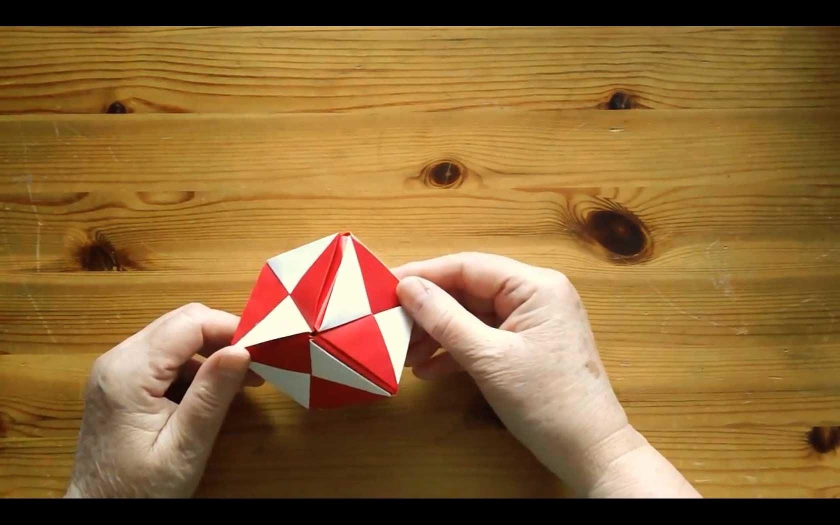 How To Fold an Origami Cube - Falte Dir einen Origami Würfel!