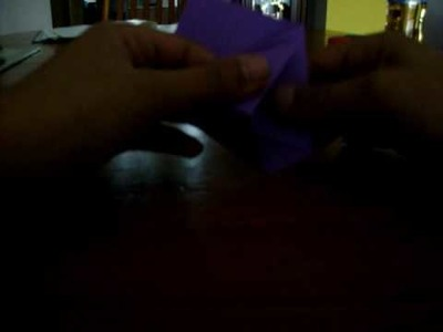 Wie man einen Origami Becher faltet