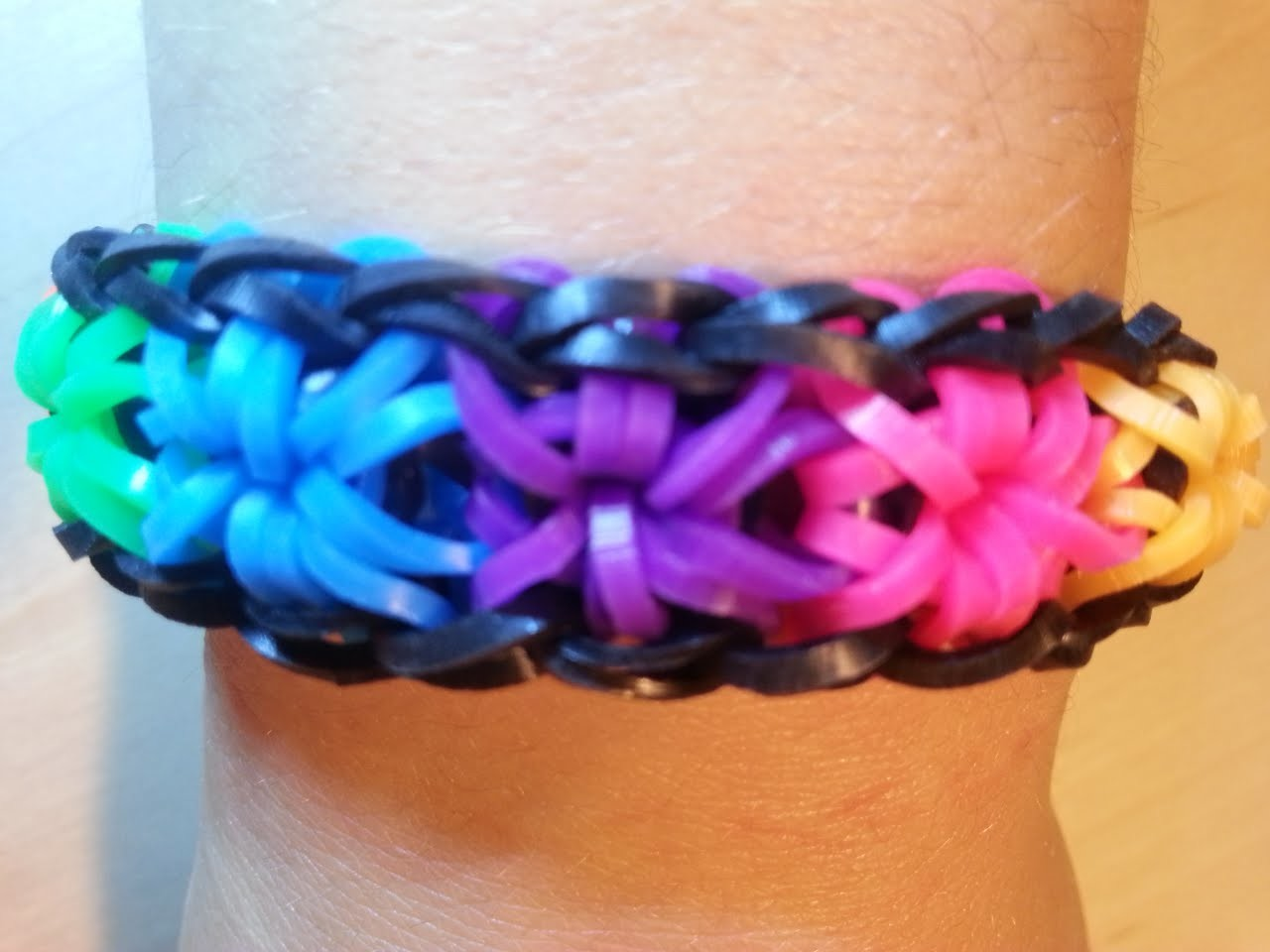Loom Sternen-Armband Anleitung