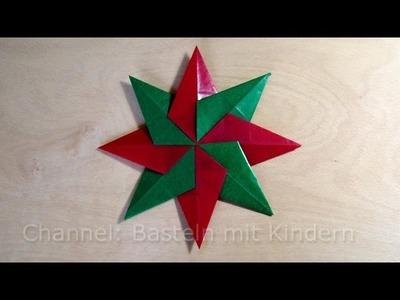 Weihnachtssterne basteln: Einfachen Stern für Weihnachten basteln mit Kindern