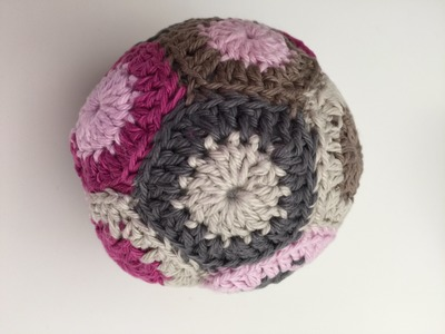 Häkeln. Crochet: Grannys zusammen nähen z.B. bei einem Grannyball