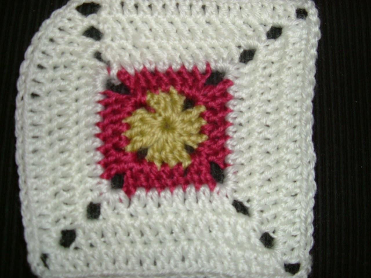 Ihr 18. Quadrat für ihre Patchwork Decke Häkeln im Granny-Stäbchen Muster