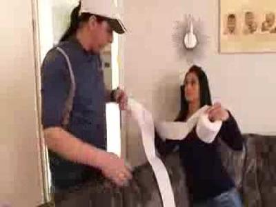 Wie man Toilettenpapier richtig benutzt