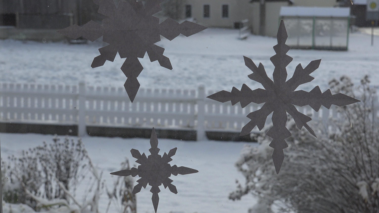 Einfache Schneeflocke Aus Papier Leicht Mit Kindern Zu Basteln Als