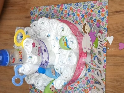 Geschenke zur Geburt: Windel Torte basteln - Basteln von Deko Turm oder Torte aus Windel