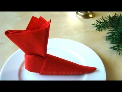 Servietten falten Weihnachten & Nikolaus: Nikolausstiefel