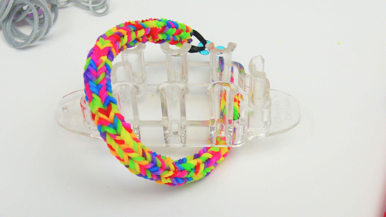 Rainbow Loom Quadra Fishtail Loom Armband. Bracelet mit dem Monster Tail | deutsch