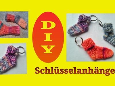 Minisöckchen für Schlüsselanhänger stricken