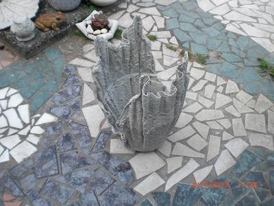 Beton giessen - Blumenkübel aus betongetränkten Tüchern. allgemeine Variante